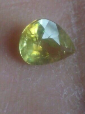 Sphene Vert Pakistan 1,15ct Poire VS Non Traité 8,17/6,12/3,51mm