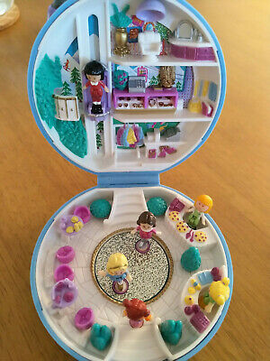 RARE Polly Pocket Ice Skating Party 100% complete Eisprinzessin Hotel Bluebird