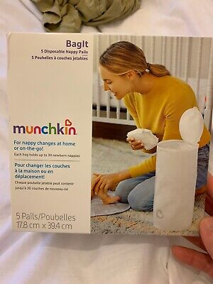 Munchkin Bagit portable disposable nappy bin for at home on the move 5 pails
