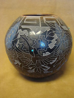 Santa Clara Indian Hand-coiled Hummingbird Pot by Eric Tafoya! PT0166