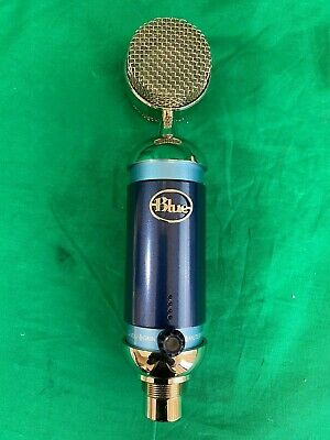 Blue SPARK DIGITAL LIGHTNING Condenser Microphone with lightning cable