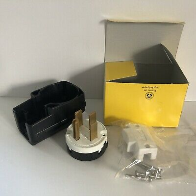 HUBBELL WIRING DEVICE-KELLEMS HBL9452C 4 Wire Industrial Angle Straight Blade