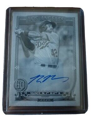 2020 Topps Gypsy Queen Max Muncy Black & White Jackie Robinson Day Auto #15/42