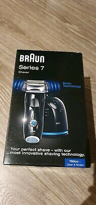 Braun 7 series shaver shaving system with cleaning dock