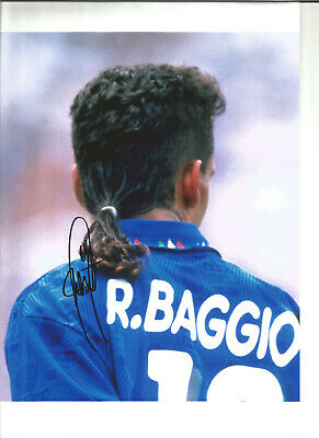 Roberto Baggio Italy Hand Signed 12 x 8 inch authentic football photo SS1217