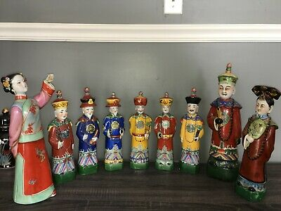 Famille Rose Porcelain Figurines of Emperors of Qing Dynasty