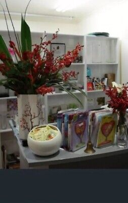 SHOP DISPLAY UNIT, DOUBLE SIDED (3xSEP)ROOM DIVIDER, WHITE MELAMINE.