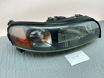 For 2001-2004 Volvo V70 Headlight Lens Left 15661QH 2003 2002 Headlight Assembly