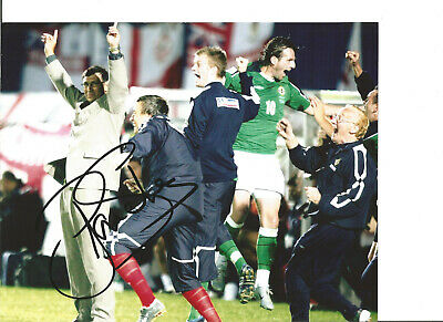 Lawrie Sanchez Northern Ireland Signed 10 x 8 authentic football photo SS1253A