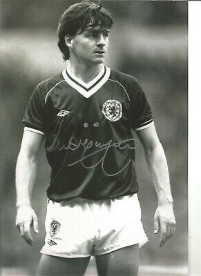 Charlie Nicholas Scotland Signed 12 x 8 inch authentic football photo SS1279