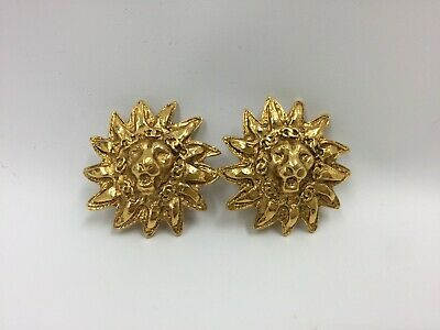 """Authentic CHANEL CC Logo Clip On Earrings Gold-tone Vintage 9K120060n"""""""