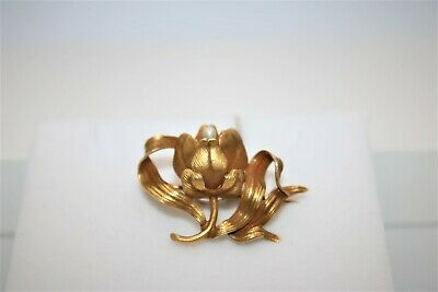 Pearl Flower Brooch on 18K Yellow Gold