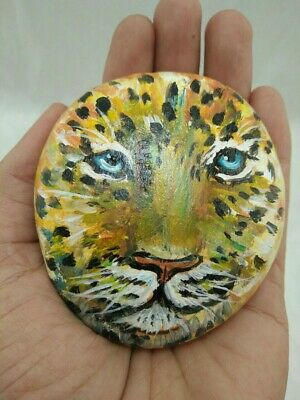 Hand Painted Leopard Face On Natural Rock Stone Art Gift Deco Paperweight 248