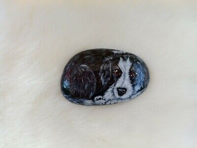 Hand Painted Cute Dog On Natural Rock Stone Pet Art Gift Deco Paperweight 6182