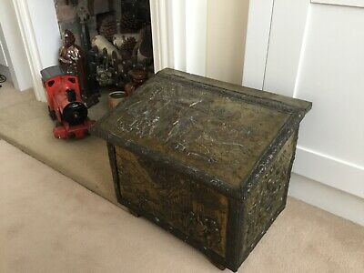 Antique/ Vintage Large Brass Log Wood Box Embossed Tavern/ Pub Scenes