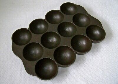 Vtg WAGNER-WARE Cast Iron 12 count Domed Round Button Gem Pan CLEAN & SEASONED