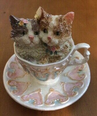 """2 Cats In A Teacup Figurine 2 1/2"""""""