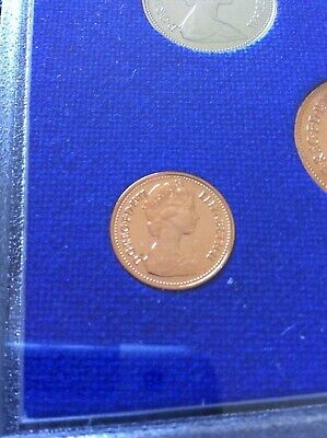 1977 half penny proof Coins. Mint perfect, low Mintage of proof Excellent
