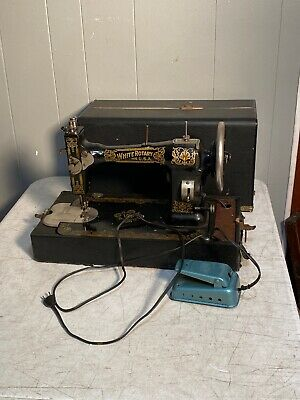 Antique 1914 White Rotary Sewing Machine Working with case