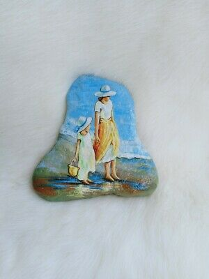 Hand Painted Mom Daughter On Beach Natural Rock Stone Art Deco Paperweight 9123