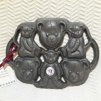 Cast Iron Cookie Teddy Bears Mold Cookies Gingerbread Corn Bread Bakeware