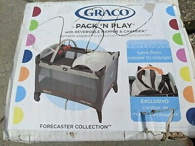 Graco Pack 'n Play Reversible Napper and Changer in Forecaster Collection