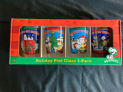 Peanuts Snoopy Charlie Brown Christmas Holiday 4 Pk 16 oz Pint Glasses