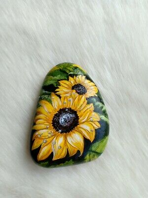 OOAK Hand Painted Sunflower On Natural Rock Stone Art Gift Deco Paperweight D050