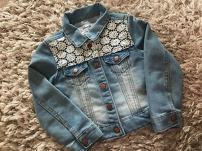 🎀 PRIMARK 🎀 girls denim jacket age 4-5 with lace detail