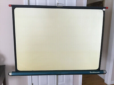 """VNTG Radiant Tripod Movie Slide Projector Projection Screen 37"""" x 50"""""""