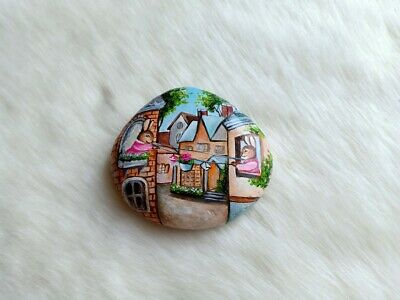 "Hand Painted ""Social Distancing"" On Natural Rock Stone Art Deco Paperweight D064"