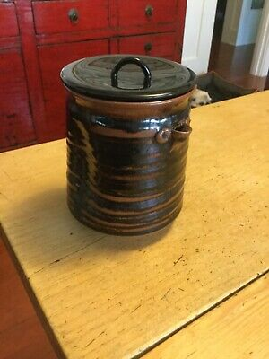 Japanese decorative container with lacquer lid