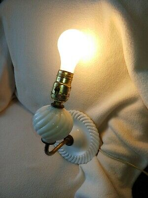 ANTIQUE VINTAGE White Hobnail Milk Glass Wall Sconce Lamp Light Electric