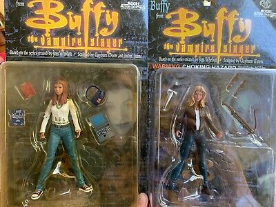 buffy the vampire slayer moore figures set of 2 Buffy and willow collectible