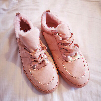 GAP Kids Girls Pure Pink Faux Fur Trimmed Trainers Size 4 BNWOT