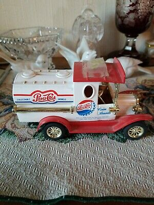 Vintage Pepsi Cola Coin Bank Truck Car Die Cast Golden Collectible 1996 New