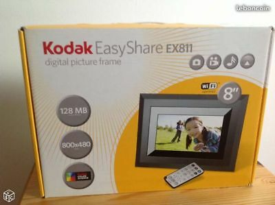 Kodak EX-811 Easyshare 8-inch Digital Picture Frame with Wireless Capability