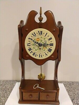 Vintage New England Clock Co. wall clock, 8 day with key.Nice one