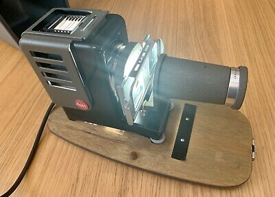 Leitz Wetzlar Slide Projector in Case Great Condition Working, with Spare Bulbs