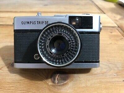Olympus Trip 35mm Compact Film Camera (Good Condition, Tested Working)
