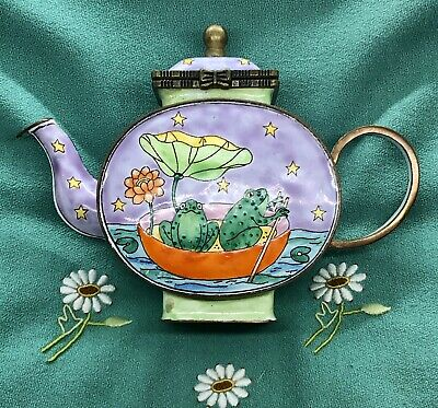 🐸 KELVIN CHEN Handpainted Enamel on Copper Mini Teapot with 2 Frogs in a Boat
