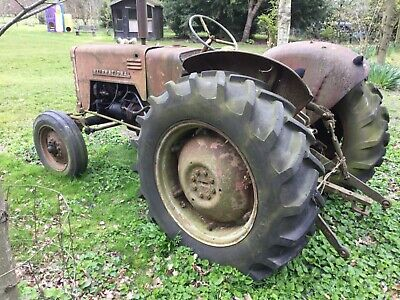 International B250 classic vintage diesel tractor