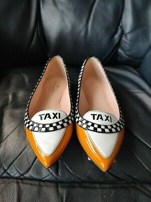 Kate Spade New York Go TAXI FLATS Size 5