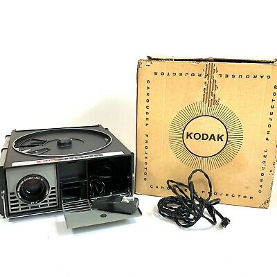 Kodak Carousel 550 Slide Projector w/ Box Remote WORKS Excellent Condition.