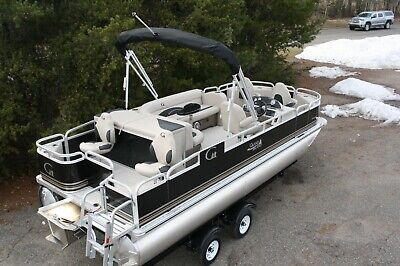 Last one in stock-Triple tube new 20 ft Fish and Fun  with 115 hp trailer.
