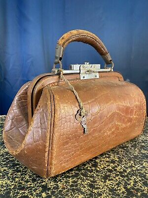 Antique Leather Bag w/ Original Key ~ Small Doctor Type Bag ~ Leather Handle