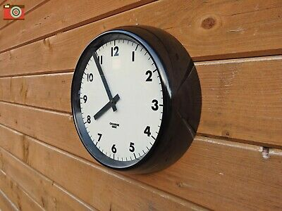 CHLORIDE GENT BAKELITE WALL CLOCK. Restored, Great Patina. Updated. Lovely.