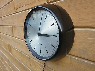 VINTAGE GENT OF LEICESTER WALL CLOCK. BAKELITE CASE. Restored. Lovely Condition