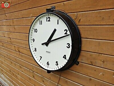 VINTAGE, VERY LARGE GENT OF LEICESTER WALL CLOCK. Restored. Lovely condition.