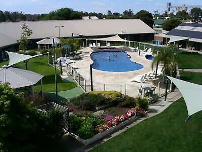 Yarrawonga Resort 2 bed unit 25/09 to 02/10 school holidays 6 people